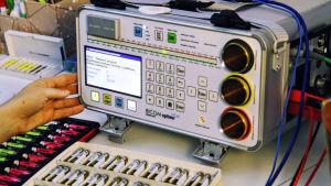 En Bicom-apparat med provrör, fotograferad i Lojo.