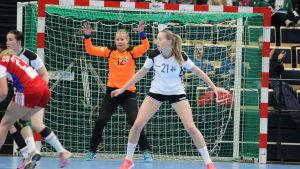 Charlotta Roos i mål, Finland-Slovakien 9.3.2016