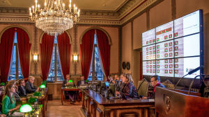 Fullmäktige möts i fullmäktigesalen