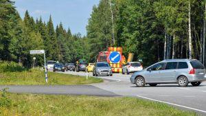 Sommartrafik på stamväg 51 mellan Karis och Ekenäs.