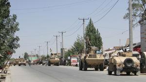 Regeringen och utländska Natostyrkor lyckades rädda Ghazni först efter att man skicka in massiva förstärkningar