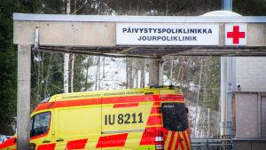Jouringången till Borgå sjukhus.