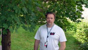 Jukka-Pekka Rahkonen från kampanjen aito avioliitto vill hålla äktenskapet mellan man och kvinna.