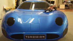Ett första skal som tillverkades innan sedan konceptbilen Toroidion skapades.