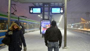 halv 9 på morgon 12 januari 2016, P-tåget mot flygstation