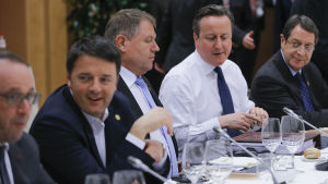 David Cameron på middag med övriga EU-ledare i Bryssel den 19 februari 2016.