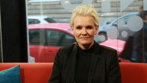 Eva Dahlgren är tillbaka med ny musik.