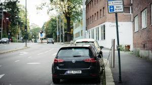 sähköauton latauspiste, Oslo, 2017