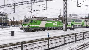 VR-Juna Oulussa