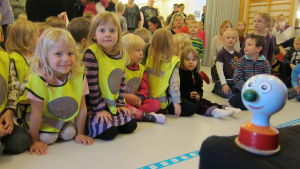 Dagisbarn i Rummelbackens daghem under Buu-klubbens julturné 2013