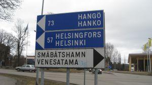 Vägskylt i Ingå