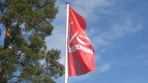 Flagga vid Lärkkulla