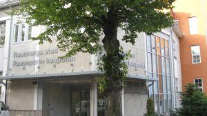 Raseborgs stadshus, entré, exteriör