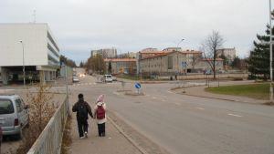 Området kring Hangös livligaste korsning, Halmstadsgatan och Esplanaden, skall byggas om.
