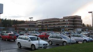 Den 22.8.2011 godkände styrelsen för HNS anbudet på första skedet av grundrenoveringen. Arbetena pågår.