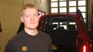 Niko Mättö är stationsmästare vid Hangö brandstation