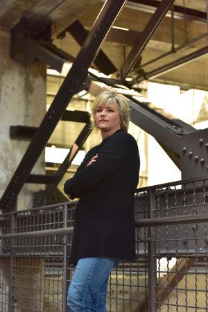 Bild på författaren Karin Slaughter.
