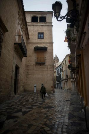 En ensam man i centrum av Málaga
