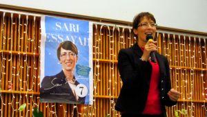 Sari Essayah håller kampanjtal i Vasa