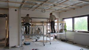 Renovering pågår i den gamla avdelningen vid Oravais hvc:s bäddavdelning.