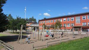 Första skoldagen i Kvarnbackens skola efter renoveringen