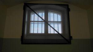Fönstret i isoleringscell i Vasa fängelse.