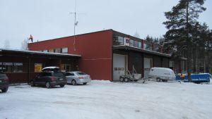 N3M har huvudkontor och lager i Bäljars i Karis.