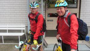 Alexander Påhls och Peter Lüttge ska cykla till Paris.