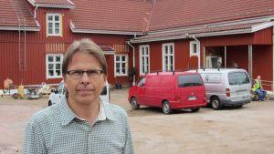Antti Jyrkkänen är rektor för Kiilan koulu i Karis