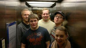 Det går upp och det går ner i studentpolitiken, men alla studerande är i samma hiss
