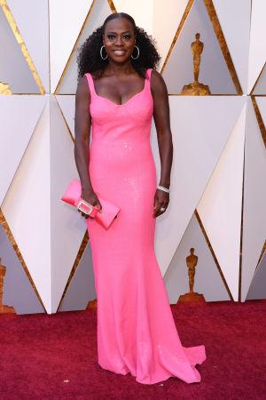 Viola Davis på röda mattan inför Oscarsgalan 2018.