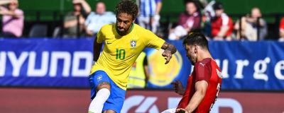 Neymar lurar Aleksandar Dragovic 817f4a9891247