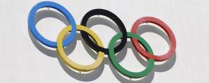 OS-ringarna och texten 1952 på OIympiastadions vägg i Helsingfors.