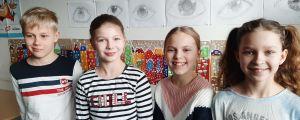 Elmeri Peltomaa, Hilma Aalto, Peppi Koivisto och Ella Lundberg går på femman i Björneborgs svenska samskola.