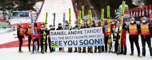 Backhopparkollegorna skickade hälsningar från Planica i söndags.