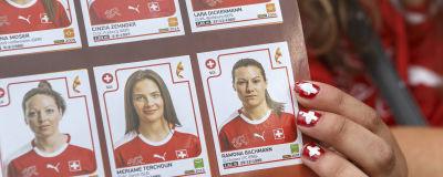 Under fjolårets EM-slutspel för damer såldes Panini-kort. Här det  Schweiziska laget fbce1093befac
