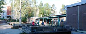 Mårtensdals skolas skolgård.
