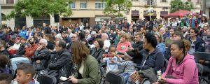 Hundratals människor samlade till valmöte i Barcelona.