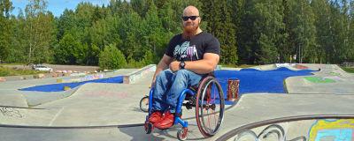 råd för att dejta en man i rullstol