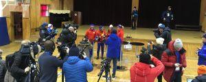 Norsk presskonferens i en gymnastiksal i Pyeongchang.