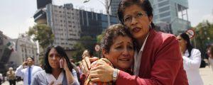 Oroliga människor i Mexico City, strax efter en stor jordbävning.