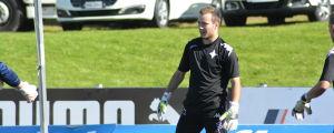 Carljohan Eriksson vaktar målet för Helsingfors IFK.