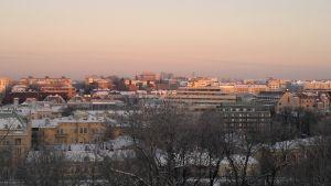 Vintrig morgonbild över Åbo centrum.