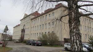Huvudbyggnaden på Ekåsenområdet i Ekenäs