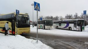 Bussar på busstation