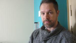 Äldre konstapel Patrik Lindholm vid Borgåpolisen