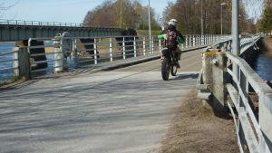 Bron till Kråkholmen.