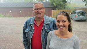 Tränare Risto Puputti och spelare Linda Sjöblom från BK-46