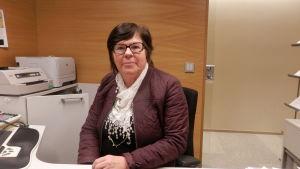 Karita Wikblad vid Aktia Bank i Jakobstad