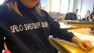 Sandra Jaakkola är stolt över att gå i Salos svenska skola